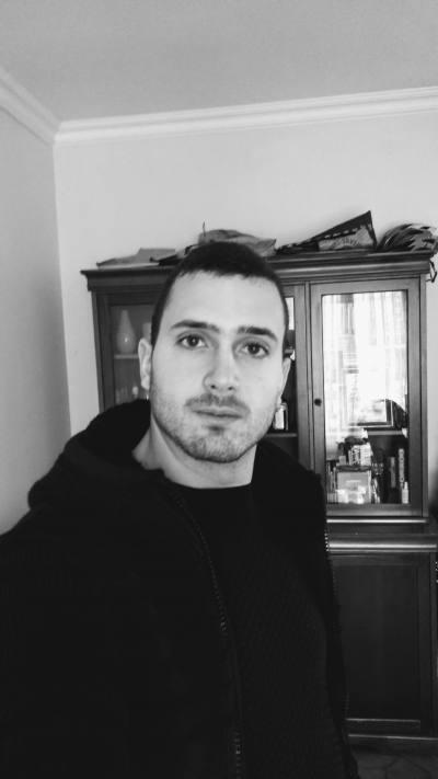 Dating Man Toulon. fete divortate din Sighișoara care cauta barbati din Reșița