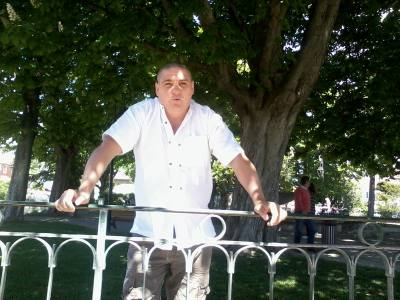 Laurent 47 years L'isle Sur La Sorgue France